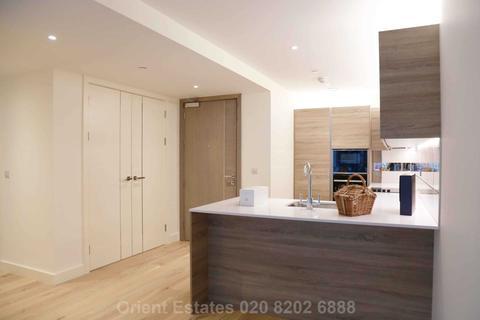 2 bedroom flat to rent - Duke Of Wellington Avenue, Woolwich SE18