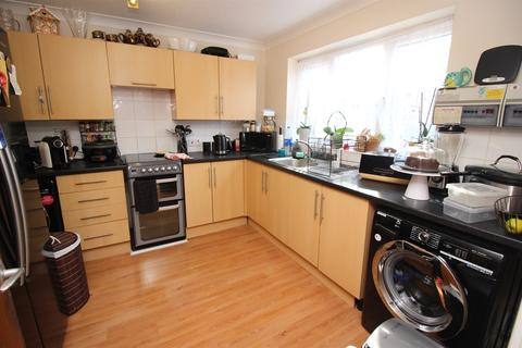 3 bedroom house to rent - Epping Close, Reading, RG1