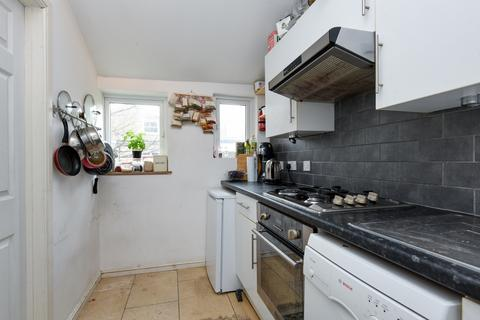 1 bedroom flat to rent - Coverton Road Tooting SW17