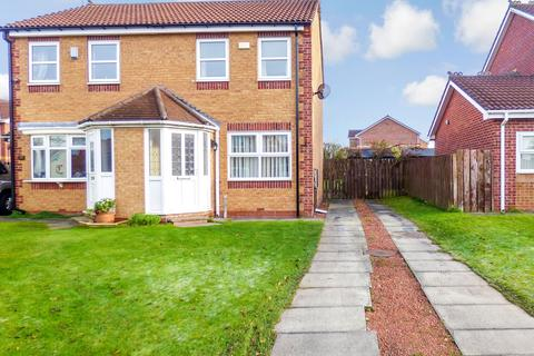 2 bedroom semi-detached house to rent - Durham Close, Bedlington, Northumberland, NE22 6NB