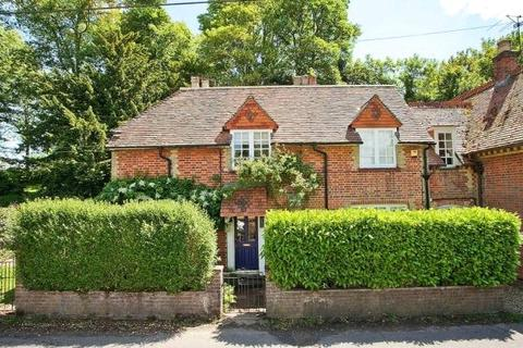 3 bedroom house to rent - The Old School House, Ashe, Basingstoke, Hampshire, RG25