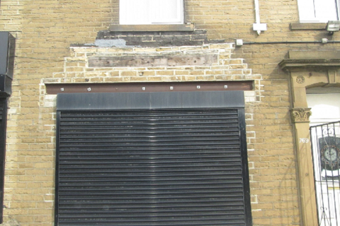 Property to rent - Wakefield Road, Bradford, West Yorkshire BD4