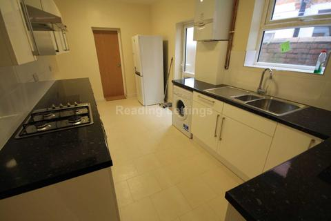 4 bedroom terraced house to rent - Norris Road