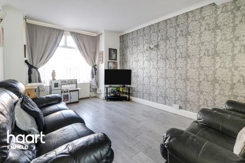 3 bedroom end of terrace house for sale - Kimberley Gardens, Enfield