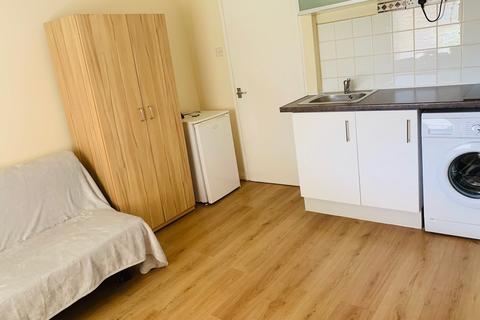Studio to rent - Sidney Rd N22