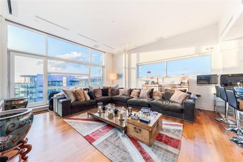2 bedroom flat to rent - Howard Building, Chelsea Bridge Wharf, 368 Queenstown Road, Battersea, SW11