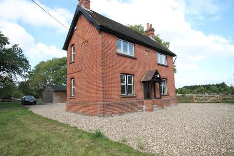 3 bedroom detached house to rent - Rag Hill, Aldermaston
