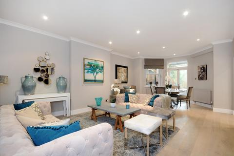 3 bedroom apartment to rent - Garden Flat, Fitzjohn's Avenue , Hampstead, London NW3