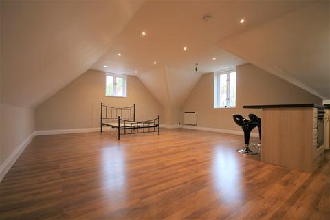 Studio to rent - Hackington Road, Tyler Hill