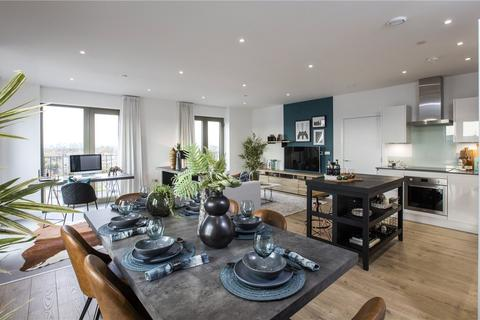 2 bedroom apartment for sale - Gallions Point, Hartlepool Court, London, E16