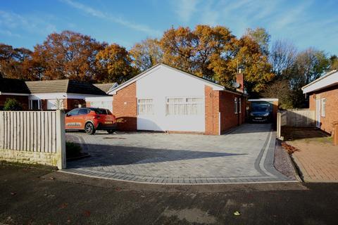 3 bedroom detached bungalow for sale - Snowdon Avenue, Connahs Quay, Deeside