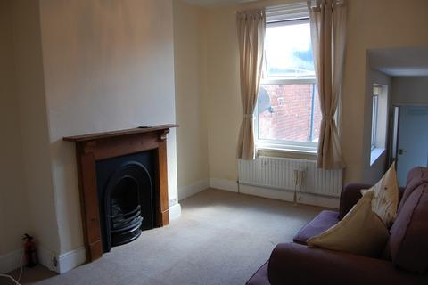 2 bedroom apartment to rent - Flat 2, 19 Raleigh Road