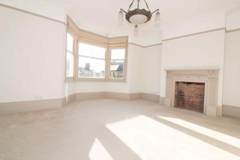 4 bedroom character property to rent - Monson Road, Tunbridge Wells