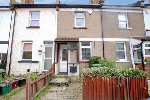 2 bedroom terraced house to rent - Ducketts Road, Crayford