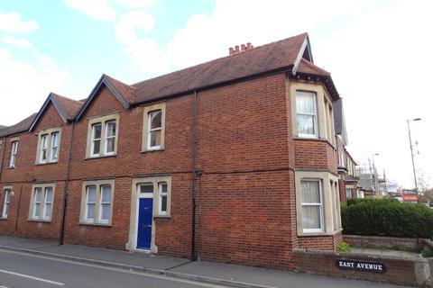 3 bedroom apartment to rent - Cowley Road, Oxford, OX4 1XA