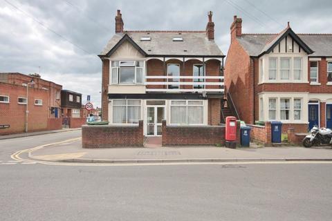 3 bedroom apartment to rent - Windmill Road, Headington, OX3 7BX