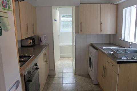 4 bedroom terraced house to rent - Hurst Street, Oxford, OX4 1HE