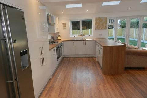 3 bedroom detached house to rent - Withins Road, Culcheth, Warrington, Cheshire, WA3 4JW