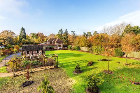 6 bedroom detached house for sale - Meath Green Lane, Horley, Surrey, RH6
