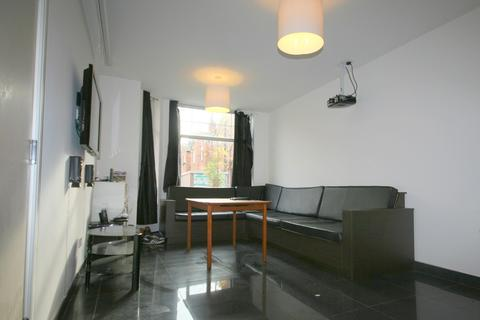 7 bedroom house to rent - Monica Grove, Burnage, Ladybarn, Manchester M19