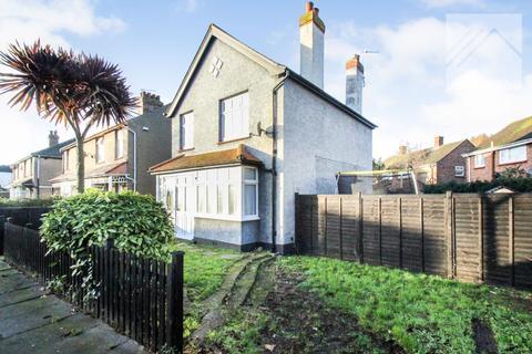 3 bedroom detached house to rent - Upper Park Road, Clacton