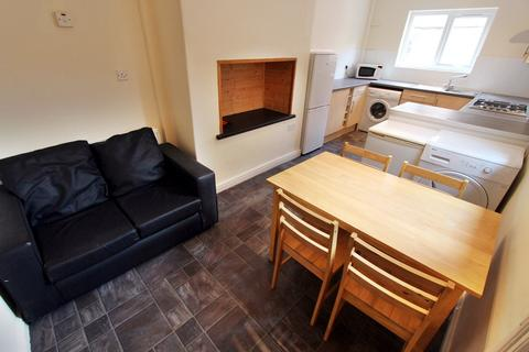 4 bedroom house to rent - Furness Road, Fallowfield, Manchester, M14