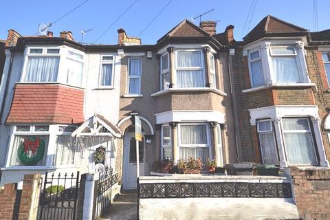 2 bedroom apartment to rent - Two Bedroom, Split Level Flat, Farnborough Avenue, E17 (£1,250pcm)