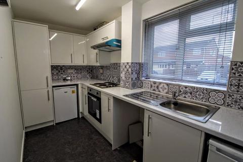 2 bedroom house to rent - Miles End, Aylesbury