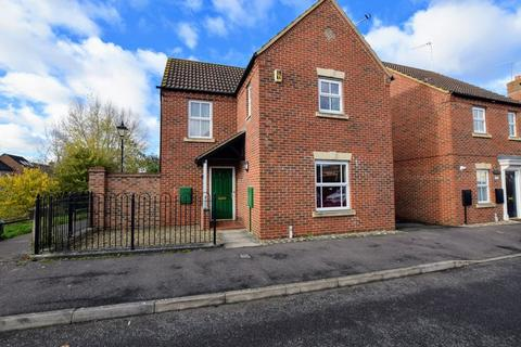 3 bedroom detached house for sale - Spruce Road, Aylesbury