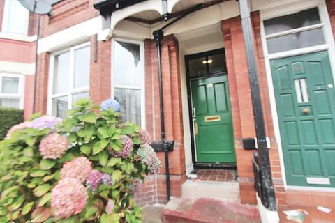 6 bedroom house to rent - Latchmere Road, Fallowfield, M14