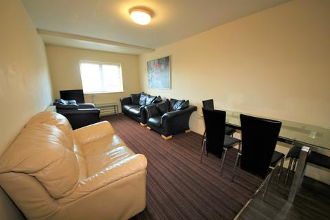 5 bedroom house share to rent - Cardigan Road, Winton, Bournemouth