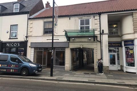 Retail property (high street) to rent - Gowthorpe, Selby