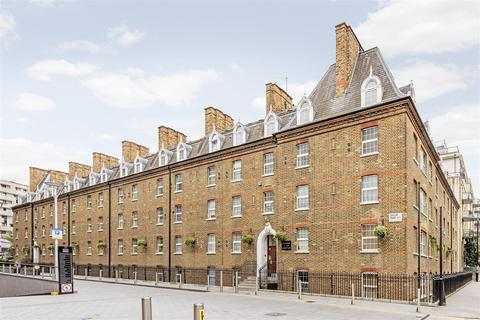 Studio to rent - Gatliff Close, Ebury Bridge Road, Chelsea, London SW1W