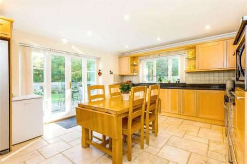 6 bedroom detached house for sale - London Road, Harlow