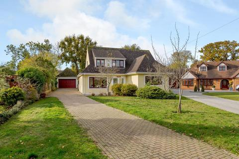 3 bedroom detached house for sale - Green Glades, Hornchurch