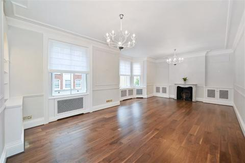 4 bedroom flat to rent - Cumberland Mansions, George Street, Marylebone, London, W1H