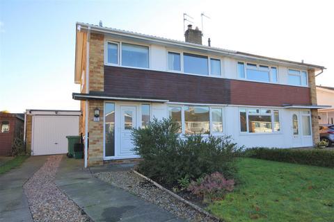 3 bedroom semi-detached house for sale - Curlew Glebe, Dunnington, York, YO19