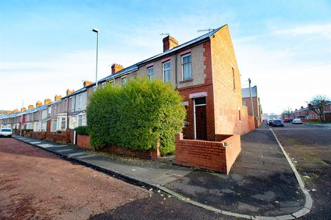 3 bedroom end of terrace house for sale - Dunston Road, Gateshead