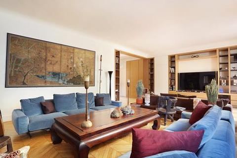 5 bedroom apartment - Paris 16, Ile-De-France, Paris