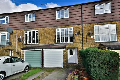 4 bedroom terraced house for sale - Closemead Close, Northwood, Greater London, HA6