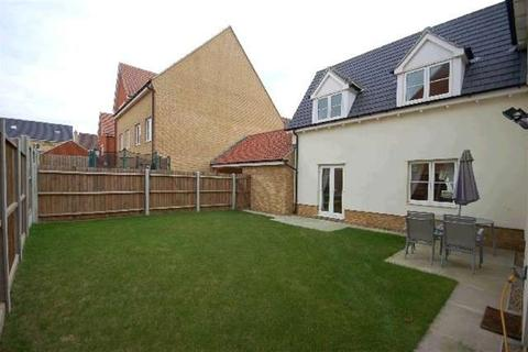 4 bedroom detached house to rent - Baynard Avenue , Oakwood Park, Little Dunmow, Essex