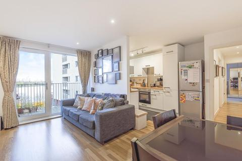 2 bedroom flat for sale - Goodchild Road, Stroud Green