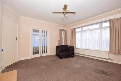 2 bedroom detached bungalow for sale - Herne Bay Road, Whitstable, Kent