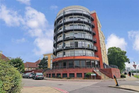 1 bedroom flat for sale - Royal Crescent, Ilford, Essex