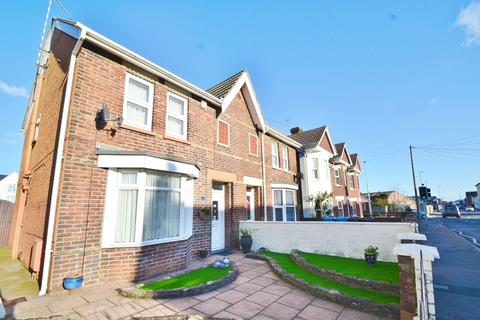 3 bedroom semi-detached house for sale - Hamworthy