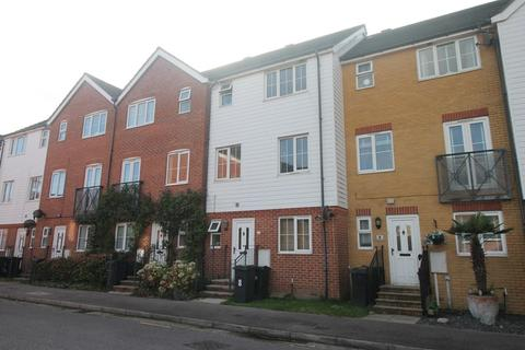 1 bedroom house share to rent - Macquarie Quay, North Harbour, Eastbourne, BN23