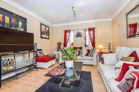 2 bedroom flat for sale - Gilbert Close, LONDON, SE18 4PT