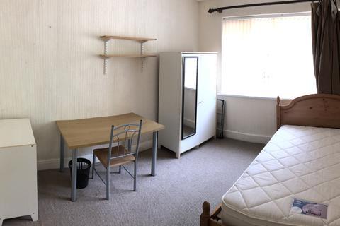 4 bedroom semi-detached house to rent - Crookesmoor Road, Crookesmoor, Sheffield S10