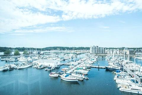 2 bedroom apartment to rent - Marina Point West, Chatham Quays, Chatham, Kent, ME4