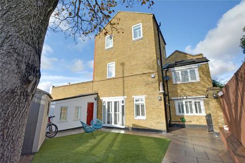 4 bedroom semi-detached house for sale - Delacourt Road, Blackheath, London, SE3